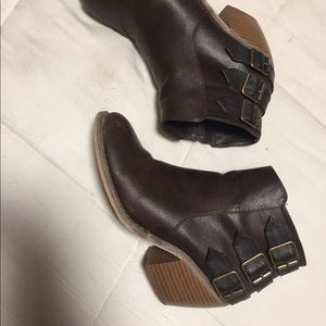 Maurice's ankle boots brown 7.5
